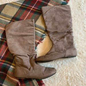 Charlotte Russe women's boots